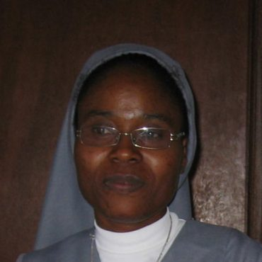 Profession Perpétuelle à Yaoundé (Cameroun) de Soeur Jeanine